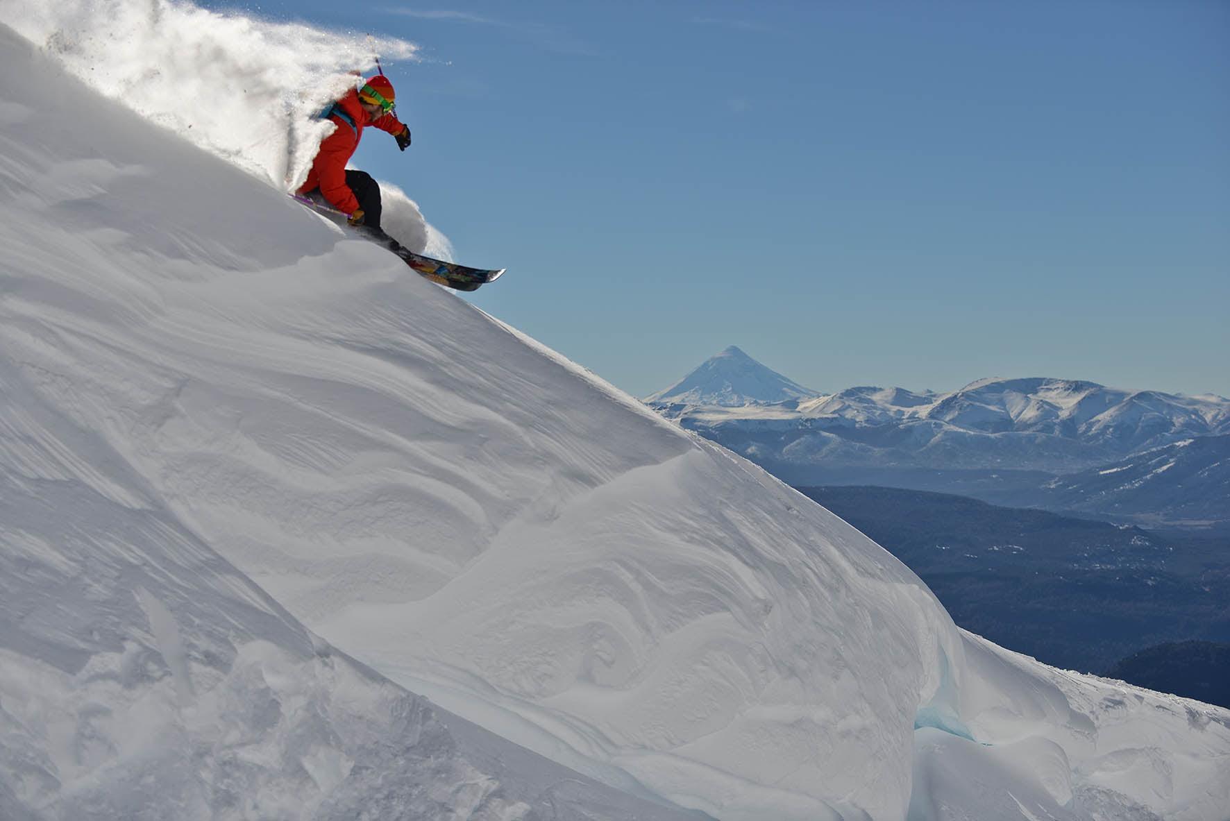 esquiador en cerro chapelco